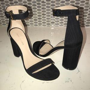 Stuart Weitzman  Black Nearlynude sandal size 6